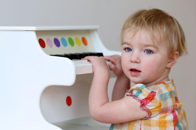 Как организовать музыкальное занятие для ребенка раннего возраста дома.